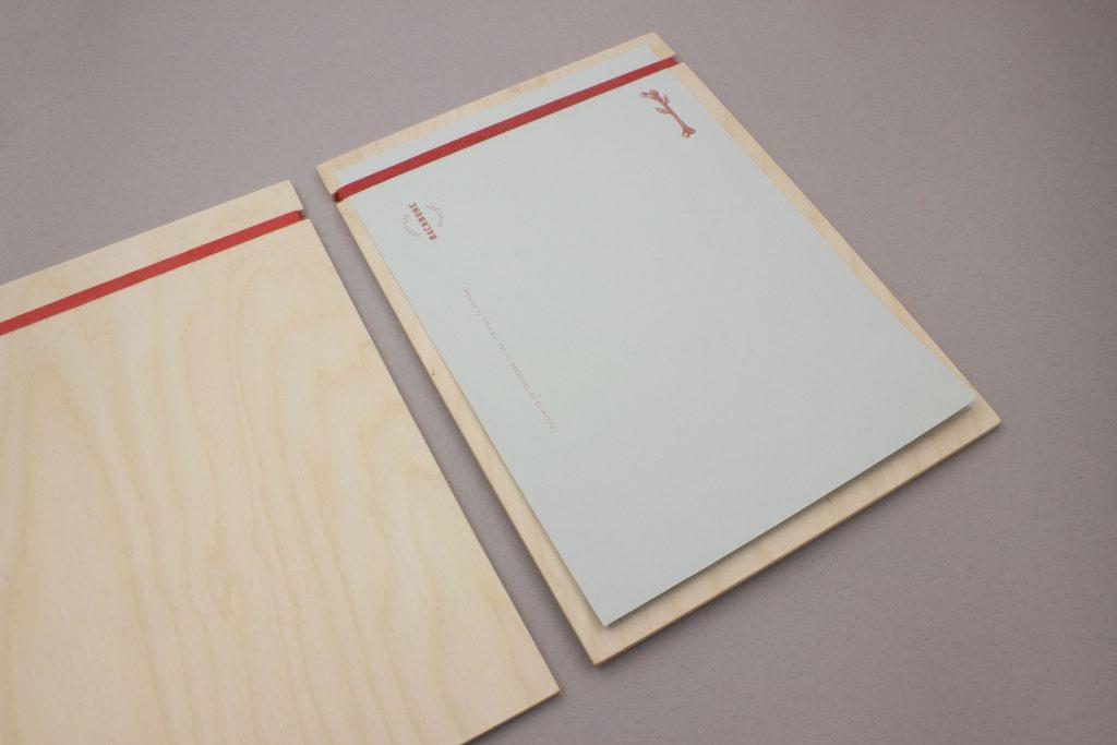 porta menu in legno